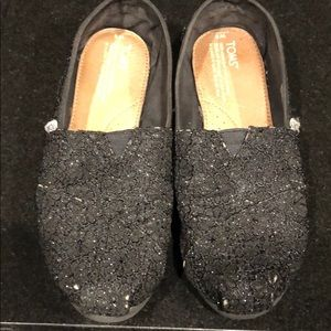 Toms black sparkly crocheted size 8